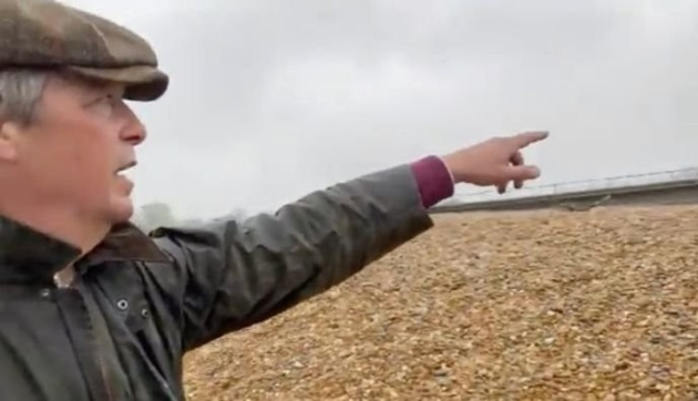 Farage points at beach in anti-migrant rant
